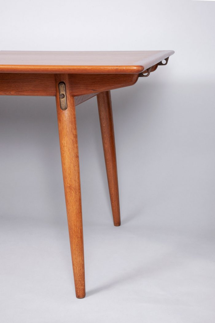 Hans Wegner cabinet maker