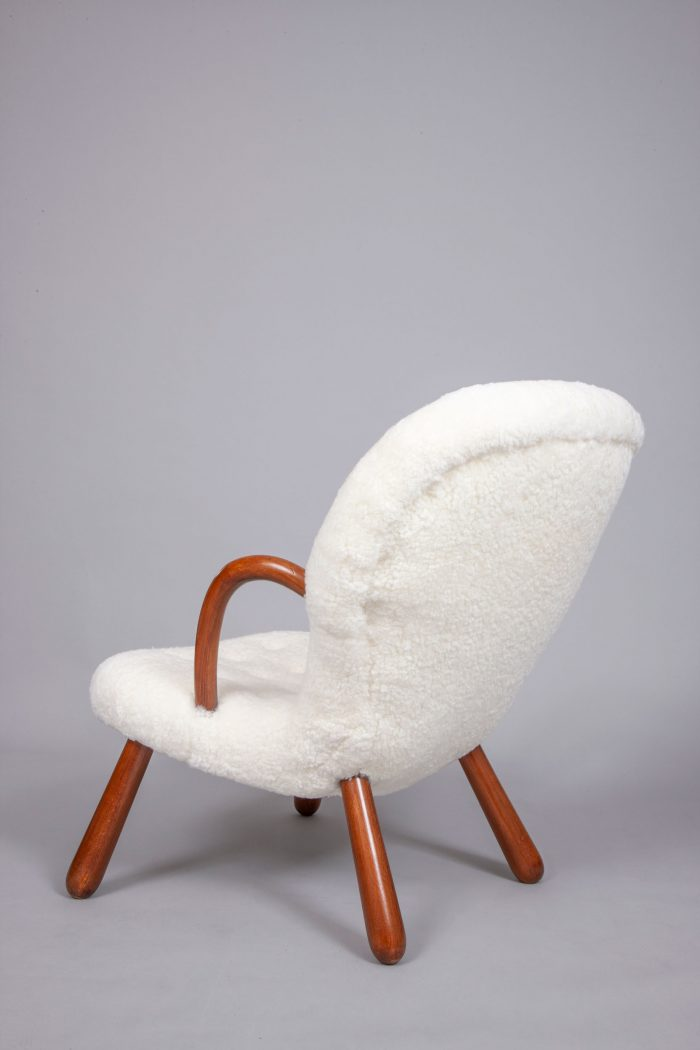 Philip-Arctander-clam-chairs