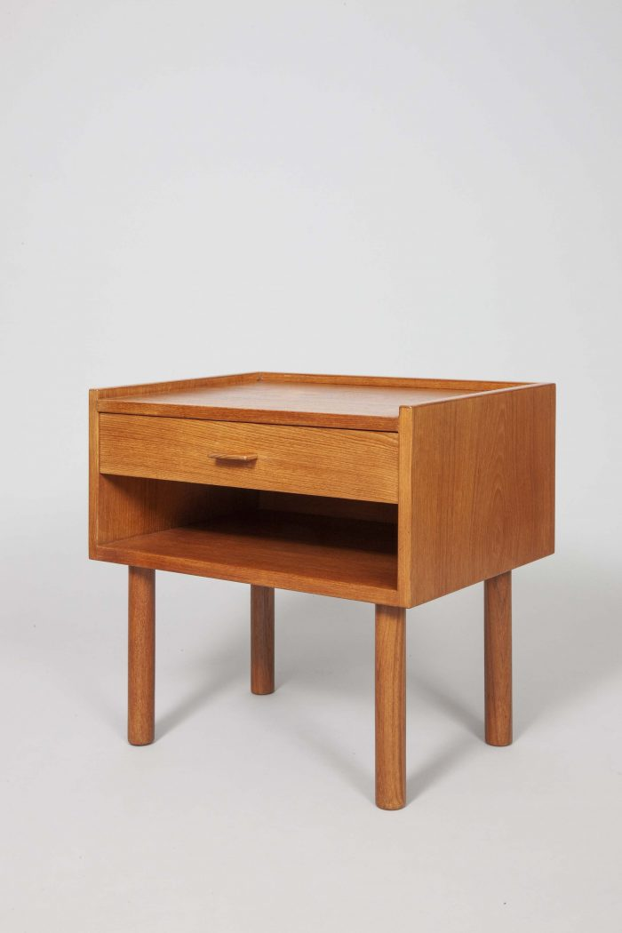 Hans Wegner night stands