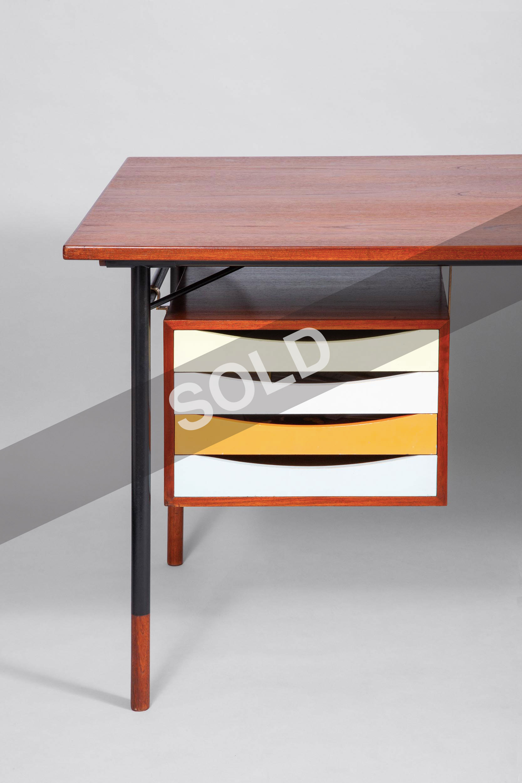 Finn Juhl Bovirke desk